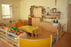 kindergarten-holz-einrichtung
